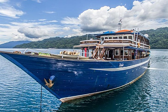 Ambai Tauchschiff
