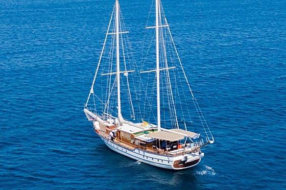 Hera Sailboat